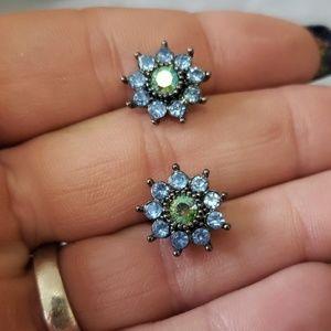 Avon NR earrings